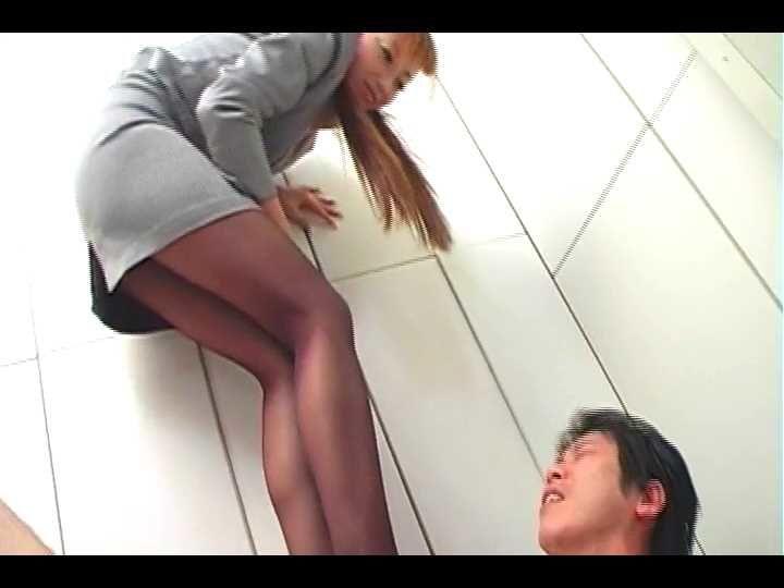 | P2P流出【個人撮影】華子先生24歳 ovovz タンポン挿入大開脚!